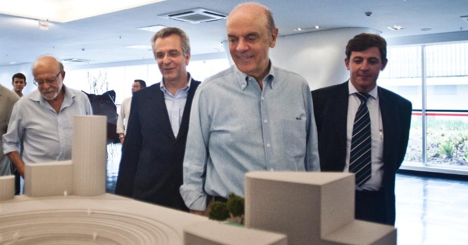 José Serra visita o novo MAC em São Paulo, acompanhado dos políticos Alberto Goldman, Andrea Matarazzo