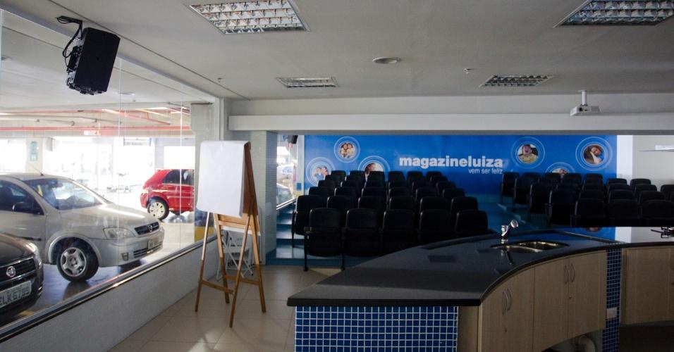 Auditório do Supermercado Andorinha, na Avenida Parada Pinto, em Lauzane Paulista (zona norte), onde os tucanos poderão escolher o candidato que vai disputar a Prefeitura de São Paulo