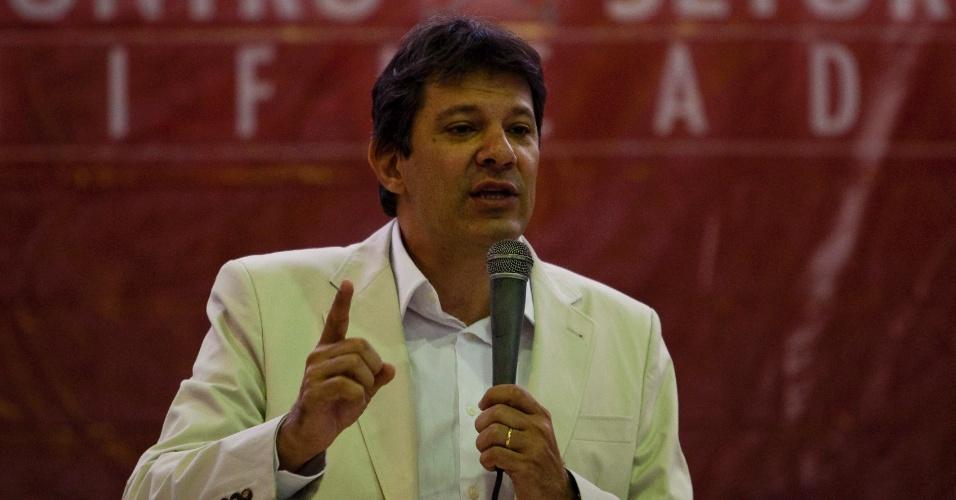 Pré-canditado do PT à Prefeitura de São Paulo, Fernando Haddad, discursa durante Encontro de Setoriais do partido, no Sindicato dos Bancários, no centro da capital