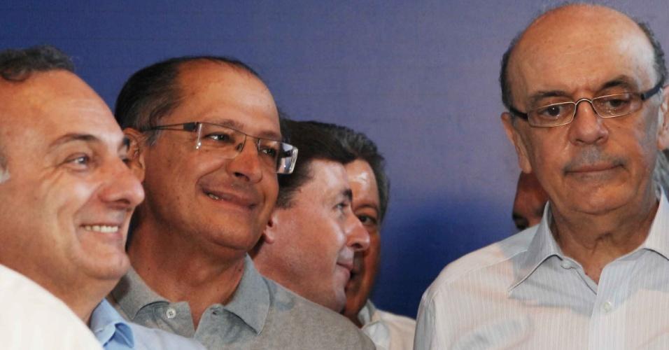 Da esquerda para a direita, o deputado Ricardo Tripoli, o governador de SP, Geraldo Alckmin, e o ex-governador José Serra durante o evento que anunciou Serra como o candidato tucano para a disputa municipal em São Paulo