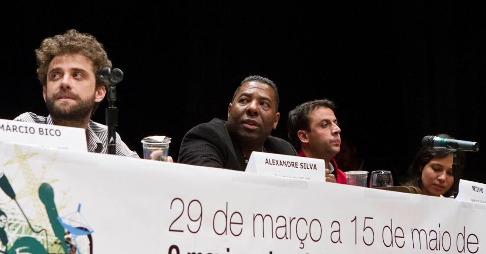 15.mai.2012 - O pré-candidato do PCdoB à prefeitura de São Paulo, Netinho de Paula, durante encontro com estudantes do Programa Universidade para Todos (ProUni), em São Paulo