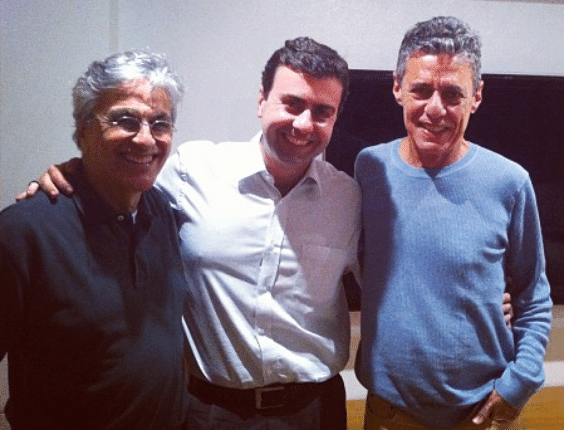 Caetano Veloso, Marcelo Freixo e Chico Buarque participam de reunião de apoio ao pré-candidato do PSOL à prefeitura do Rio de Janeiro