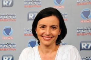 """30.mai.2012- Soninha participa de sabatina do """"R7"""" e da """"Record News"""""""