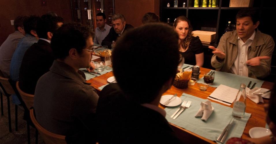1.jun.2012 - Pré-candidato do PT à Prefeitura de São Paulo, Fernando Haddad, almoça com jornalistas de diversas mídias na véspera do lançamento oficial da sua candidatura na capital paulista
