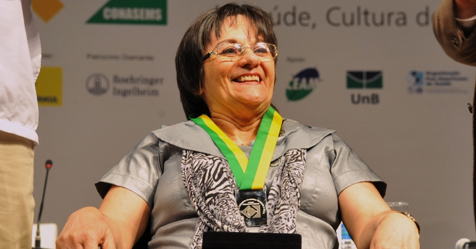 29.06.2012 - A biofarmac&#234;utica Maria da Penha, que d&#225; nome &#224; lei de prote&#231;&#227;o &#224;s mulheres v&#237;timas de viol&#234;ncia dom&#233;stica, deve ser a indicada do PT como candidata a vice na chapa de Elmano de Freitas, tamb&#233;m do PT, na disputa pela Prefeitura de Fortaleza