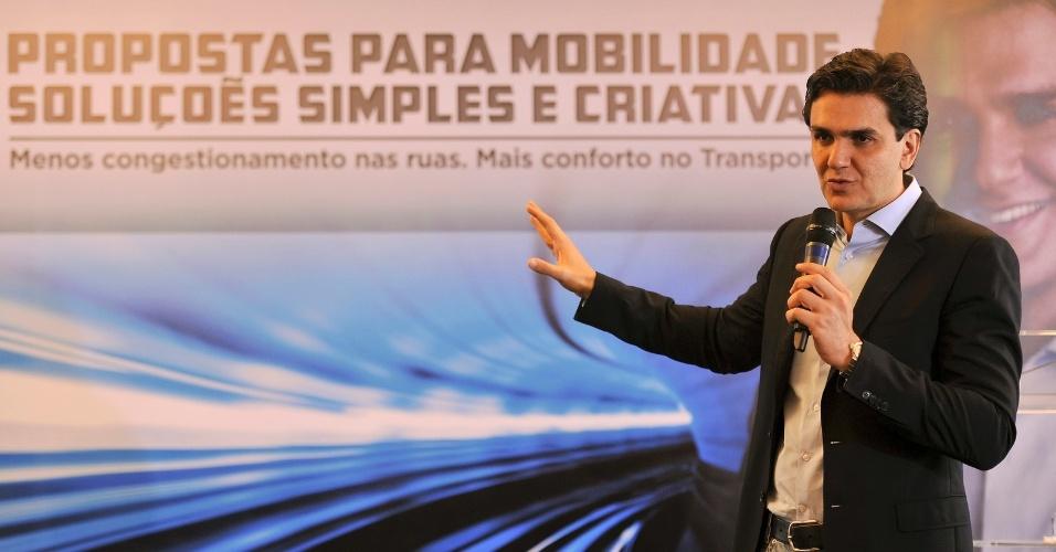 29.ago.2012 - Gabriel Chalita, candidato do PMDB à Prefeitura de São Paulo, apresentou seu plano de governo para a área de transportes nesta quarta-feira em um hotel no centro da cidade