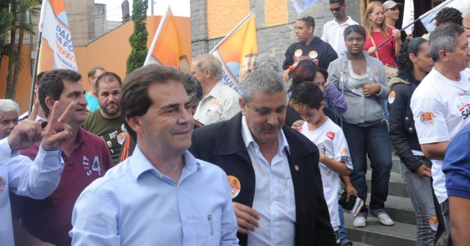 29.ago.2012 - O candidato do PDT à Prefeitura de São Paulo, Paulinho da Força, faz caminhada pelo comércio da Vila Brasilândia, zona norte da capital