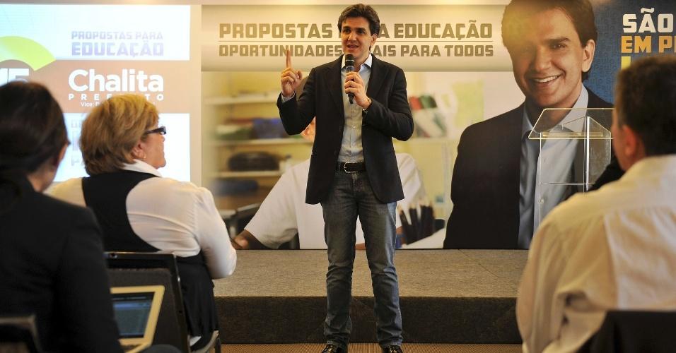 31.ago.2012 - O candidato do PMDB à Prefeitura de São Paulo, Gabriel Chalita, apresenta suas propostas para a educação em um hotel no centro da cidade