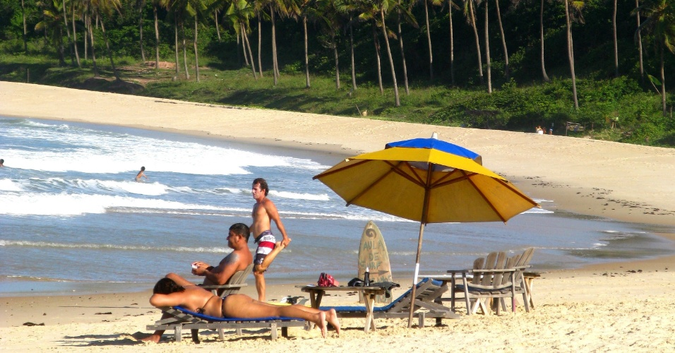 2010 - Turistas na praia de Pipas, que fica em Tibau do Sul &#40;RN&#41;