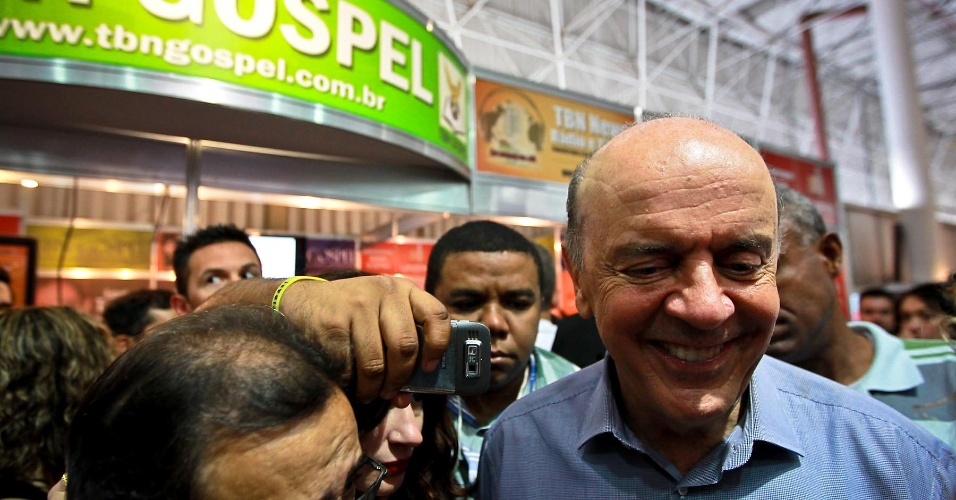 29.set.2012 - José Serra, candidato do PSDB à Prefeitura de São Paulo, participa de feira de negócios voltada ao público evangélico realizada na zona norte da capital paulista
