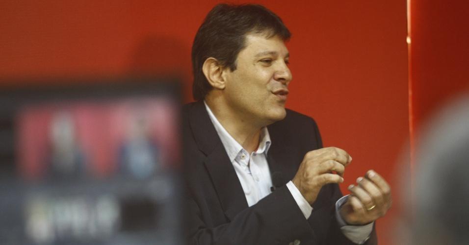O pré-candidato do PT à Prefeitura de São Paulo, Fernando Haddad, concede entrevista para rádio da capital paulista. Ele disse que não é o momento de Marta entrar na campanha