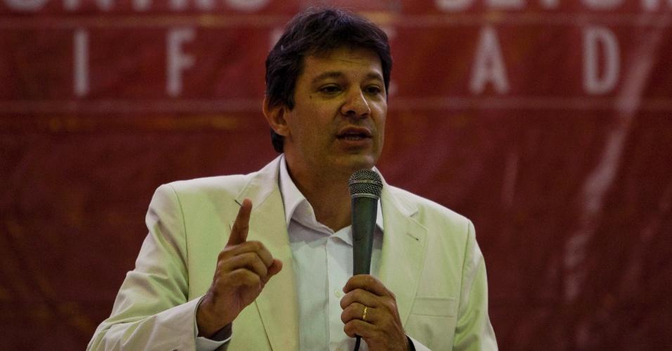 O pré-candidato à Prefeitura de São Paulo do PT, Fernando Haddad, participa do Encontro de Setoriais de São Paulo, na sede do Sindicato dos Bancários, no centro da capital