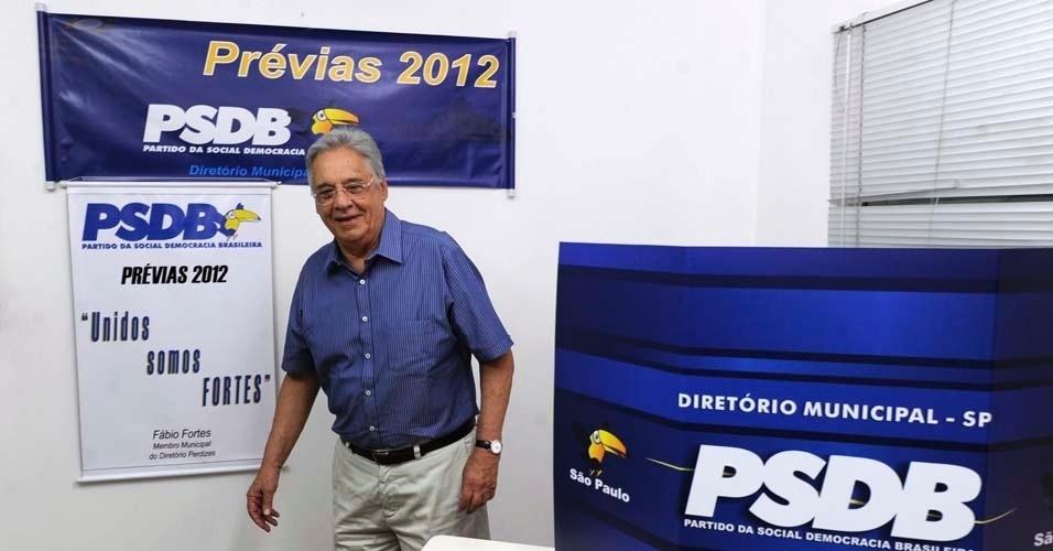Fernando Henrique Cardoso marcou presença nas prévias do PSDB à Prefeitura de São Paulo neste domingo (25) e disse ter votado em José Serra, que, na opinião dele, é o candidato que tem mais currículo para vencer a vaga na capital paulista