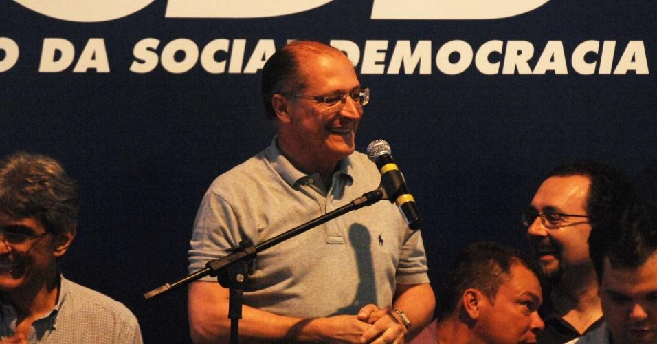O governador de São Paulo, Geraldo Alckmin, discursa após vitória de José Serra nas prévias do PSDB à Prefeitura da capital paulista. Em discurso, o governador afirma que fará grande dobradinha com Serra e compara parceria com relação dos jogadores Marcos e Neymar