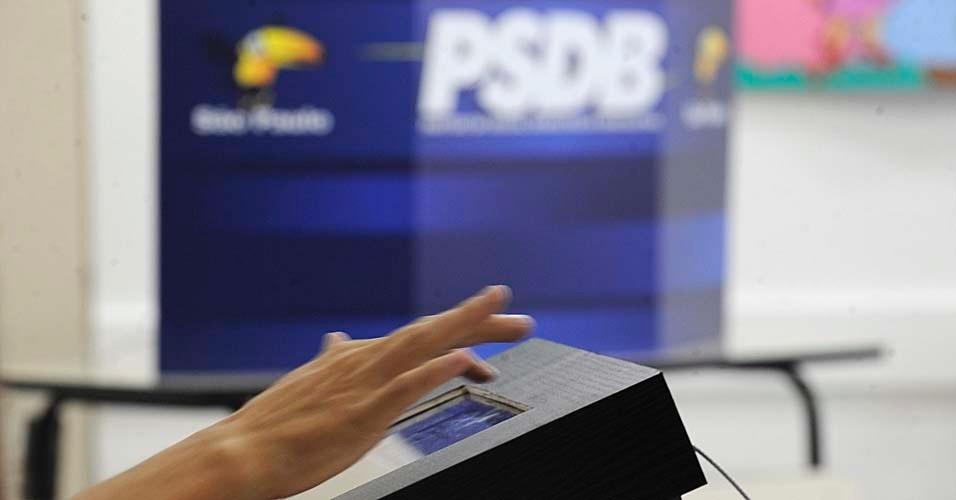PSDB espera cerca de 5.000 dos cerca de 21 mil filiados para votarem nas prévias do partido à Prefeitura de São Paulo, realizadas neste domingo (25), na capital paulista. O ex-governador José Serra é o favorito na disputa