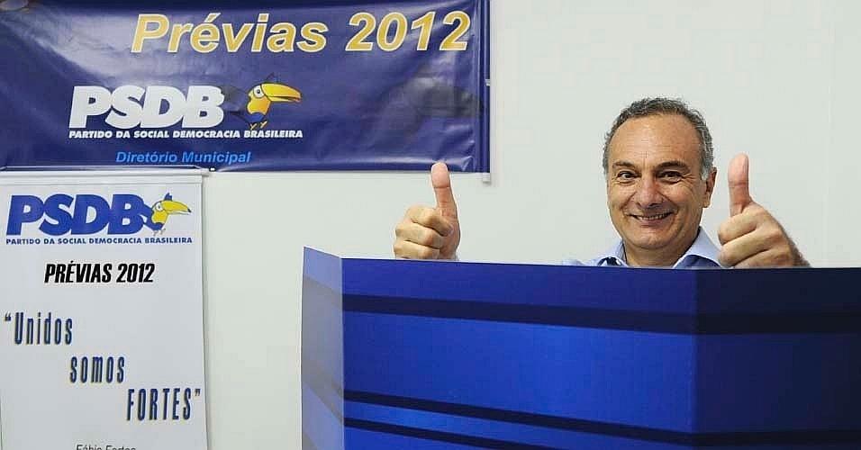 Ricardo Tripoli registrou seu voto nas prévias tucanas em uma zona eleitoral de Perdizes, zona oeste de São Paulo, no final da manhã deste domingo (25). Ele disputa a vaga do PSDB nas eleições municipais da capital paulista
