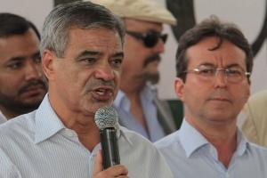 O prefeito de Recife, João da Costa (à dir.), que quer disputar a reeleição, mas enfrenta resistência de ala liderada pelo senador Humberto Costa (PT-PE)