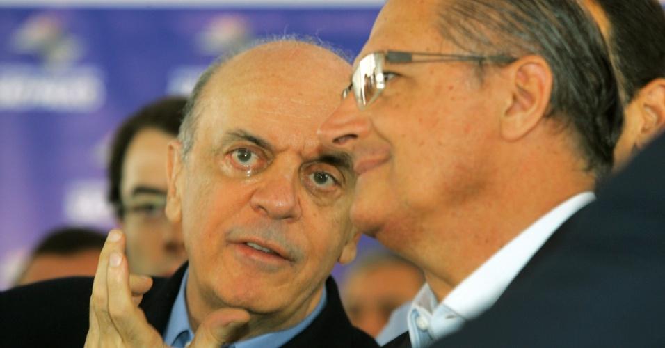 Ex-governador José Serra, pré-candidato à Prefeitura de São Paulo, participa ao lado do governador de São Paulo, Geraldo Alckmin, da inauguração do Ambulatório Médico de Especialidades de Mogi das Cruzes, na Grande São Paulo