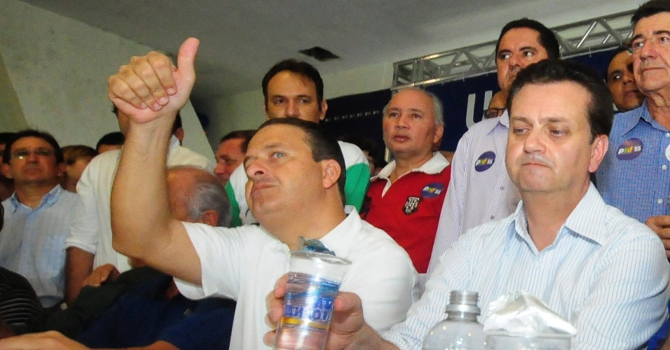 Governador de Pernambuco Eduardo Campos ao lado do prefeito de São Paulo e presidente do PSD, Gilberto Kassab