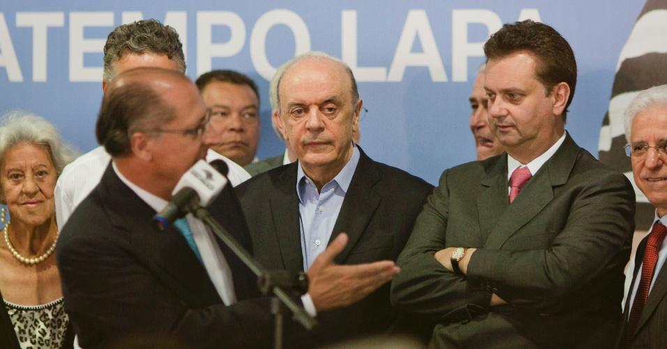 Geraldo Alckmin, José Serra e Gilberto Kassab participam de inauguração do Poupatempo na Lapa