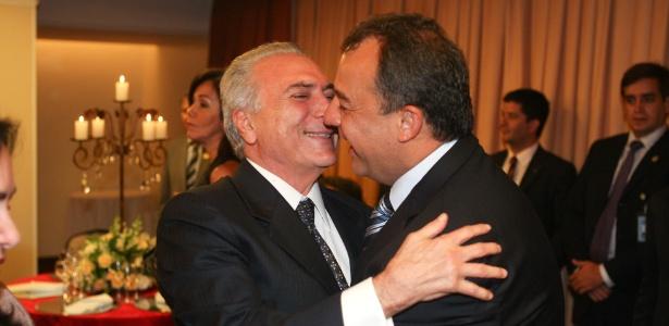 Juntos em evento em 2012, Michel Temer e Sérgio Cabral são colegas de partido - Alan Marques/Folhapress