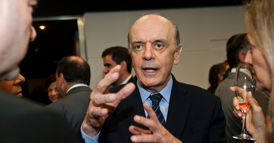 Jose Serra, no jantar que o  presidente da Fiesp, Paulo Skaf, ofereceu para o presidente do Supremo Tribunal Federal, Cezar Peluso, na sede da Fiesp.