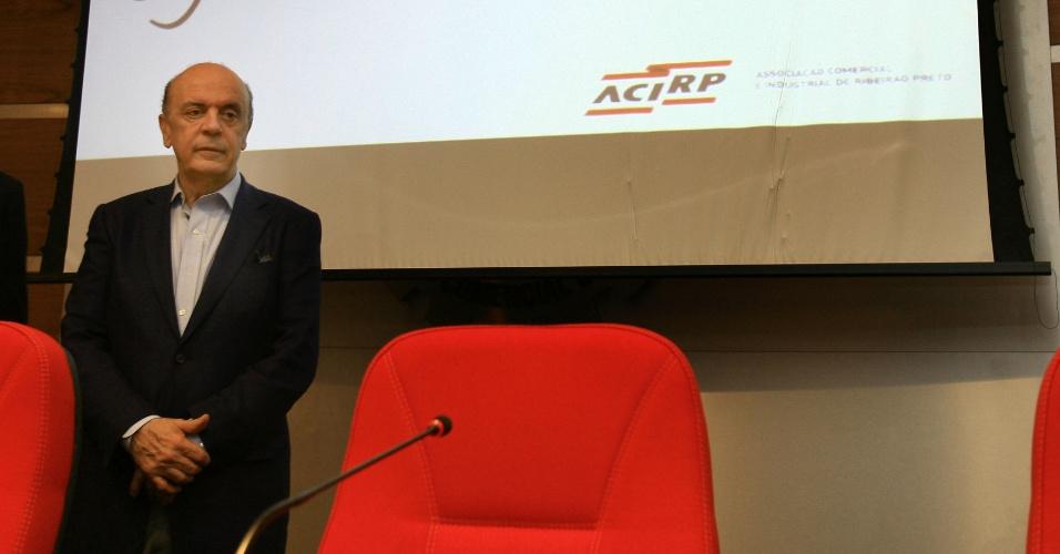 Pré-candidato Serra dá palestra em Associação Comercial de Ribeirão Preto (Acirp), em abril de 2012