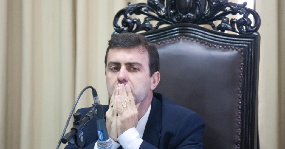 5.dez.2011 - O deputado estadual Marcelo Freixo e visto durante sessao da Comissao de Direitos Humanos Da Assembleia Legislativa do Rio de Janeiro