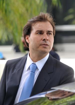 O deputado federal Rodrigo Maia (DEM-RJ) tenta conseguir apoio do PT