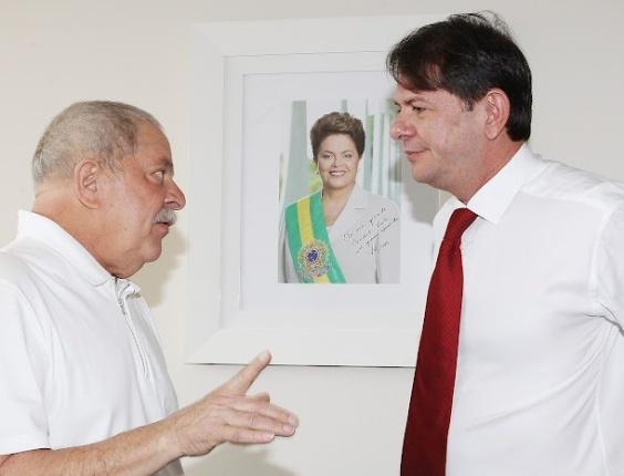 22 mai. 2012 - Governador do Ceará, Cid Gomes (PSB), conversa com o ex-presidente Lula sobre a sucessão em Fortaleza. Embora o diálogo não tenha sido conclusivo, o governador manifestou interesse em manter a aliança com o PT na capital cearense