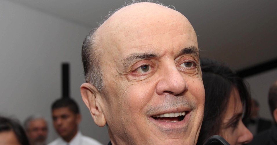 23.mai.2012 - José Serra, pré-candidato do PSDB à Prefeitura de São Paulo, esteve na noite desta quarta-feira (23) no lançamento do acervo digital do jornal O Estado de S. Paulo