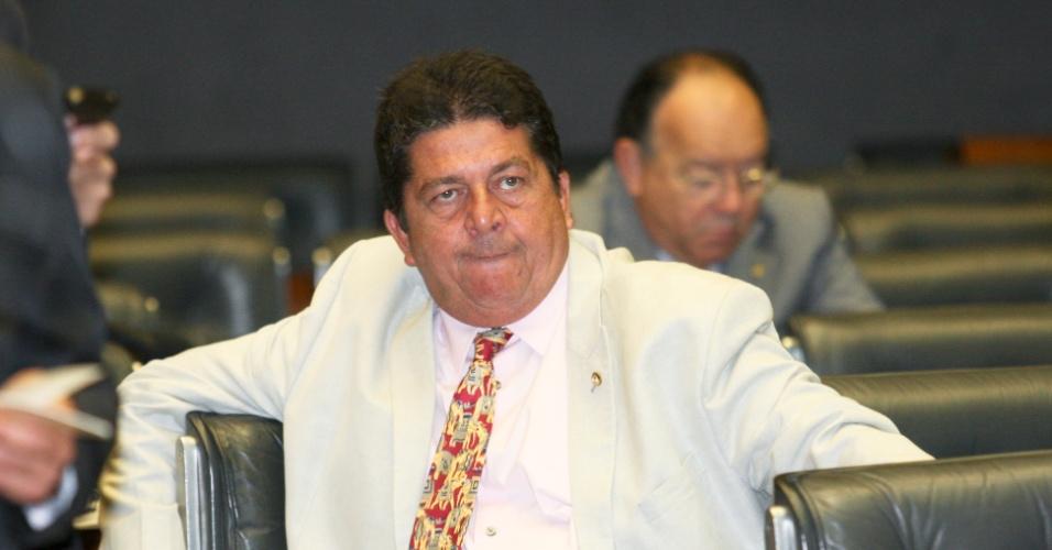 BRASÍLIA, DF, BRASIL, 19-04-2012, 11h30: Deputado Stepan Nercessian durante a sessao do Congresso Nacional no plenario da Camara dos Deputados para a criação da Comissão Parlamentar Mista de Inquérito (CPMI) que vai investigar as relações do bicheiro Carlinhos Cachoeira com autoridades e empresas. A parlamentar, que substitui Sarney (internado em hospital), convocou sessão conjunta do Congresso para hoje onde foi lido o requerimento que pede a montagem da CPMI, ato que formaliza sua criação