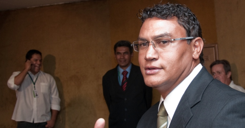 BRASÍLIA, DF, BRASIL, 31-01-2011, 13h00: Deputado Acelino Freitas, o Popó, que veio participar da reunião sobre como funciona o Congresso Nacional. (Foto: Marcelo Camargo/Folhapress, PODER)