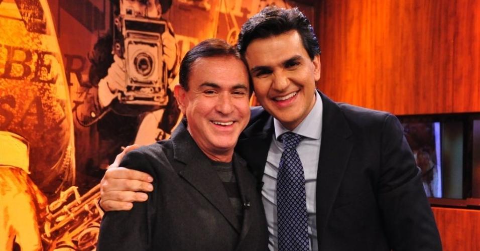 24.mai.2012 - Pré-candidato do PMDB Gabriel Chalita é entrevistado por Amaury Jr.