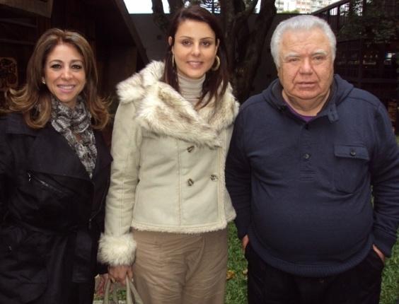 16.mai.2012 - Renata Bueno (PPS) apresenta sua pré-candidatura à Prefeitura de Curitiba ao ex-governador do Paraná Jaime Lerner