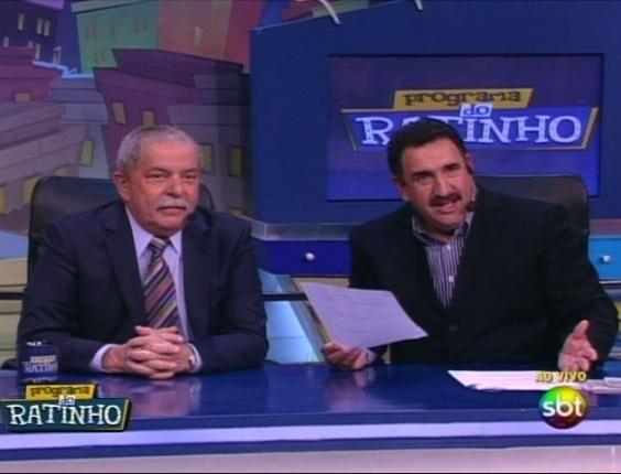 31.mai.2012 - O ex-presidente Luiz Inácio Lula da Silva participa de entrevista ao vivo no