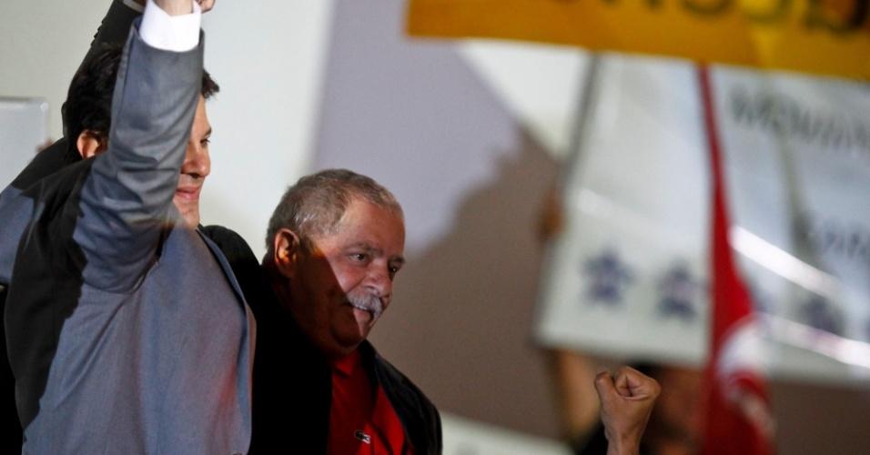 2.jun.2012 - Ex-presidente Lula e o pré-candidato do PT à Prefeitura de São Paulo, Fernando Haddad, em evento organizado pelo Partido dos Trabalhadores neste sábado (2), em São Paulo