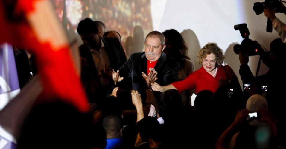 2.jun.2012 - Ex-presidente Lula e sua mulher, Marisa Letícia, em evento organizado pelo Partido dos Trabalhadores neste sábado (2), em São Paulo