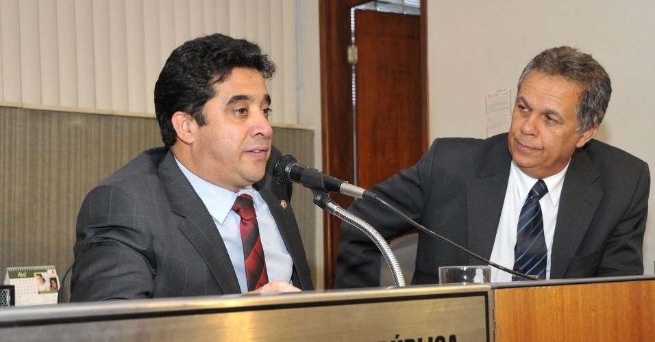 30.mai.2012 - O pré-candidato do PDT à Prefeitura de Belo Horizonte, deputado estadual Sargento Rodrigues, discursa na Assembléia de Minas Gerais. No melhor cenário possível, ele conta com a preferência de 5,1% do eleitorado