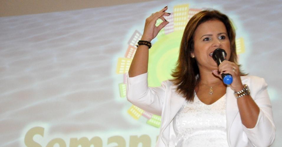 4.jun.2012 - A prefeita de natal Micarla de Souza (PV) discursa durante a abertura da Semana do Meio Ambiente, em Natal