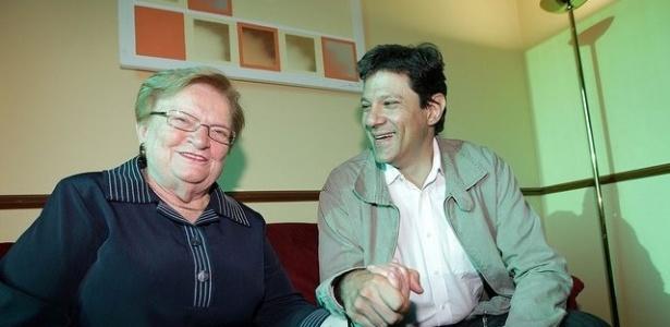 15 jun. 2012 - Luiza Erundina e Fernando Haddad juntos antes de anúncio de apoio do PSB ao PT em São Paulo