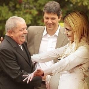 21.jun.2012 - A aliança entre PT e o PP de Paulo Maluf nas eleições em São Paulo foi lembrada pelos internautas, que fizeram diversas montagens com a foto em que Lula cumprimenta Maluf