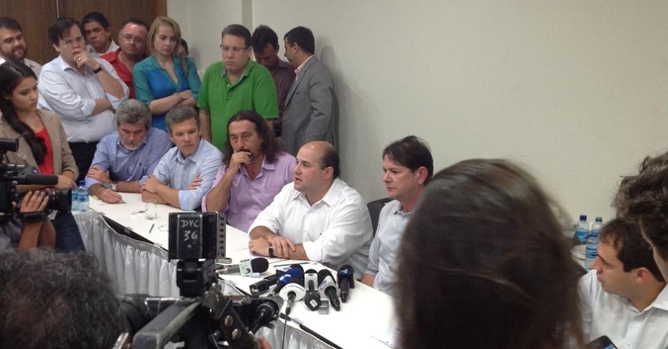 21.jun.2012 - Roberto Cláudio, atual presidente da Assembleia Legislativa de Fortaçeza, discursa durante a convenção do PSB que homologou seu nome como pré-candidato da legenda para disputar as eleições em outubro deste ano