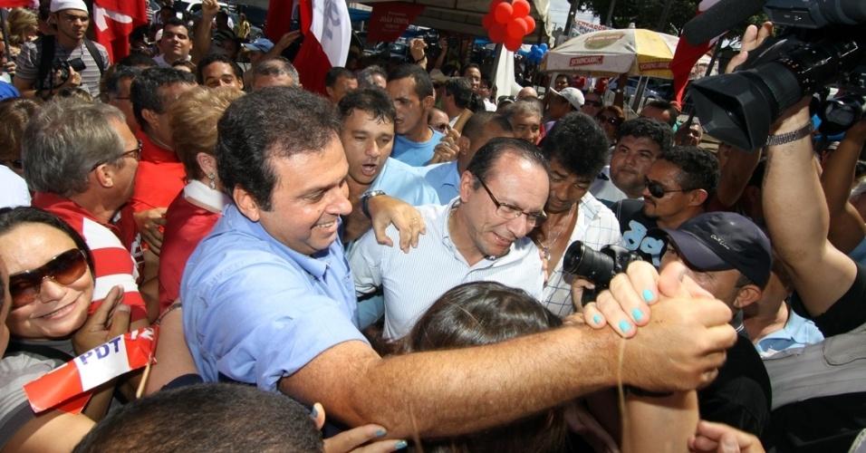 23.jun.2012 - O PDT lançou a candidatura de Carlos Eduardo Alves à Prefeitura de Natal, em convenção no Palácio dos Esportes