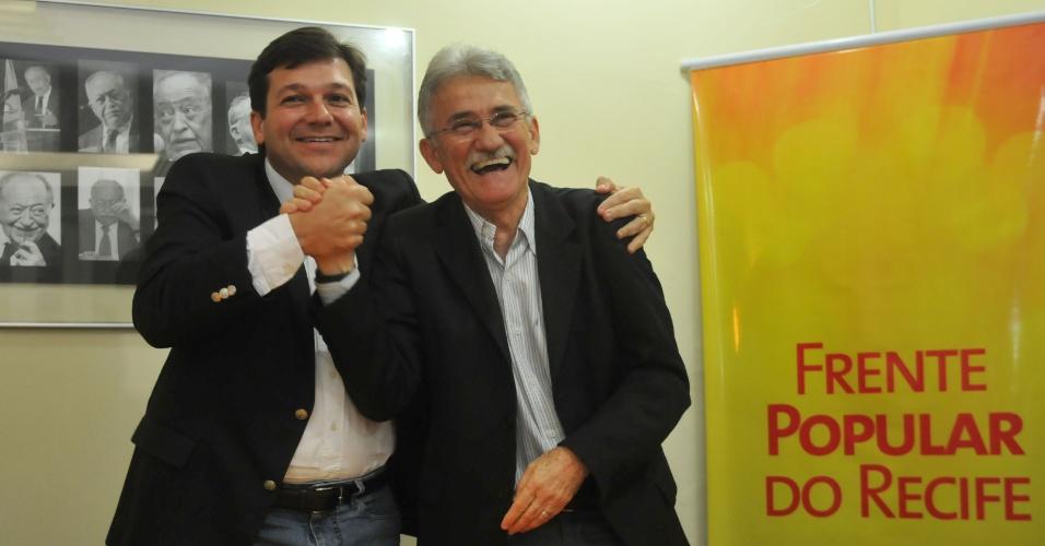 29. jun. 2012 - Apresenção de Luciano Siqueira, vice-prefeito do candidato Geraldo Julio (PSB)