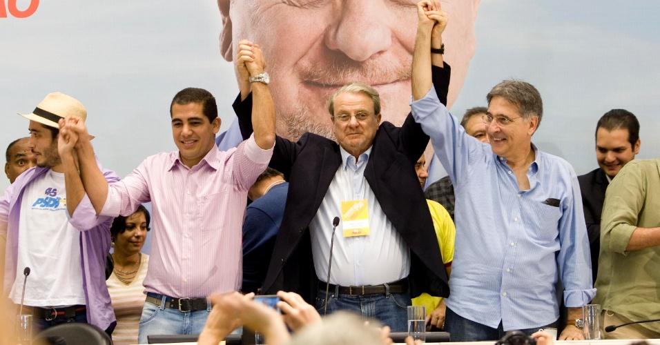30.06.2012 - O prefeito de Belo Horizonte, Marcio Lacerda, foi oficializado como candidato à reeleição na convenção municipal do PSB neste sábado (30). O PT desisitu de participar da coligação e vai lançar candidato próprio. Já o PSDB confirmou o apoio à candidatura de Lacerda