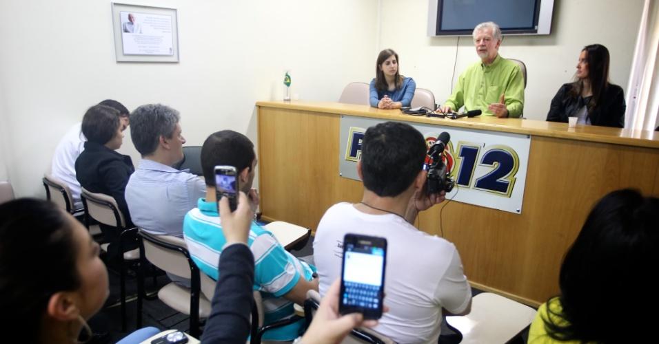 30.jun.2012 - O prefeito de Porto Alegre e candidato à reeleição, José Fortunati (PDT), participa do 3º Encontro da Juventude da base aliada, promovido por seu partido