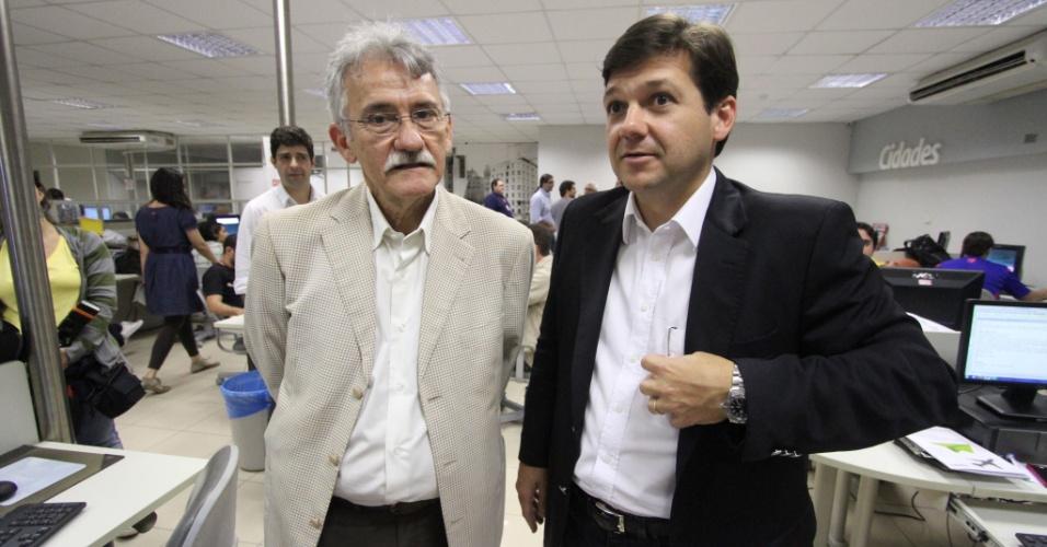 4.jul.,2012 - Pré-candidato do PSB à Prefeitura do Recife, Geraldo Julio (à dir), e seu vice Luciano Siqueira (PC do B) em visita à sede do Jornal do Commercio, na capital pernambucana
