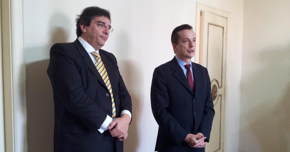 5.jul.2012 - Pré-candidato do PRB à Prefeitura de São Paulo, Celso Russomanno, e seu vice, Luiz Flávio D'Urso (PTB) se encontram na sede do PRB na capital paulista para definir estratégias de campanha