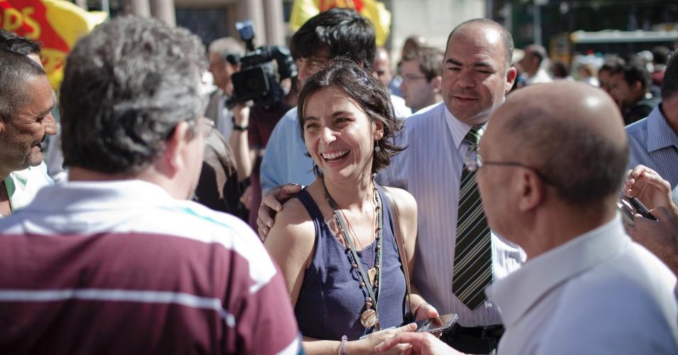 6.jul.2012 - Candidata pelo PPS à Prefeitura de São Paulo, Soninha Francine, inicia sua campanha com uma caminhada pelo centro da cidade, começando no Pateo do Collegio